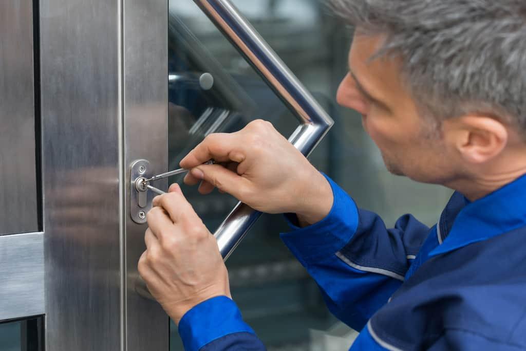 drzwi aluminiowe naprawa
